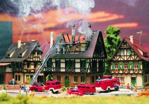Vollmer 47738 N -BRENNENDES HAUS