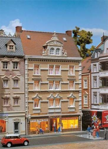 Faller 130448 Stadthaus Allianz + Tee & G
