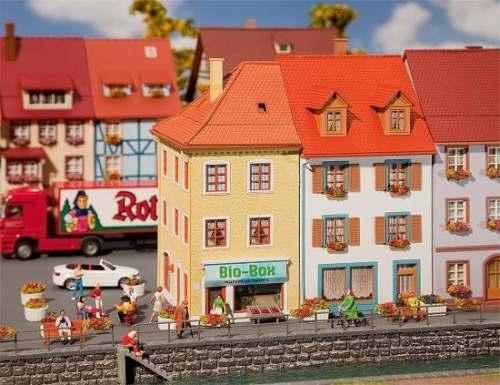 Faller 130496 2 Kleinstadthäuser