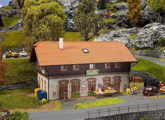 Faller 130518 Ländlicher Supermarkt Feneber