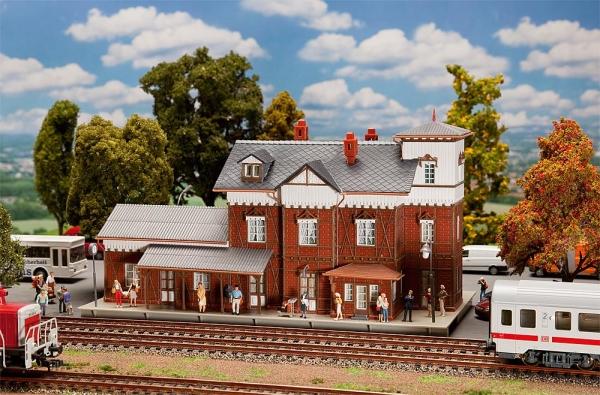 Faller 191717 Bahnhof Nieder-Ramstadt-Traisa