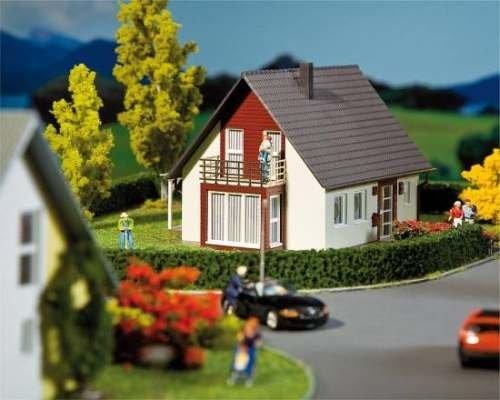 Faller 130318 Einfamilienhaus (weinrot)
