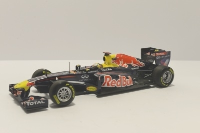 Minichamps 110110001 RED BULL RACING RB7 S. VETTE