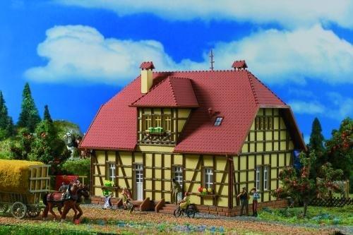 Vollmer 43654 H0-Siedlungshaus mit Fachwerk
