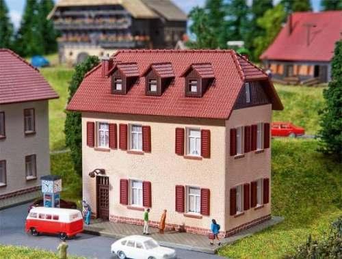 Faller 232328 Siedlungshaus mit Fensterläde