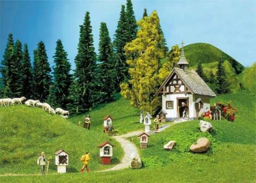 Faller 130235 Kapelle mit Wegkreuzen
