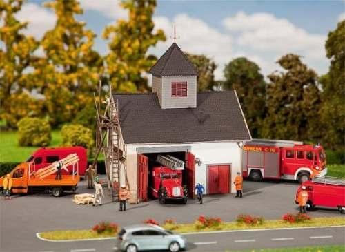 Faller 222208 Ländliches Feuerwehrhaus (LC)