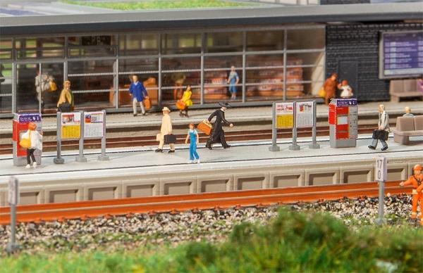 Faller 222111 Moderner Bahnsteig mit Zubehör