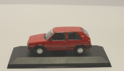 Minichamps 400085000 FORD ESCORT 3-DOOR 1981 RED