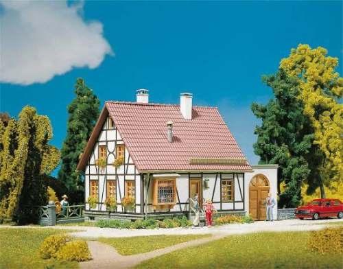 Faller 130215 Fachwerkhaus mit Garage