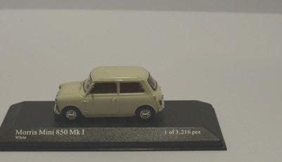 Minichamps 400138600 AUSTIN MINI 1960 RED