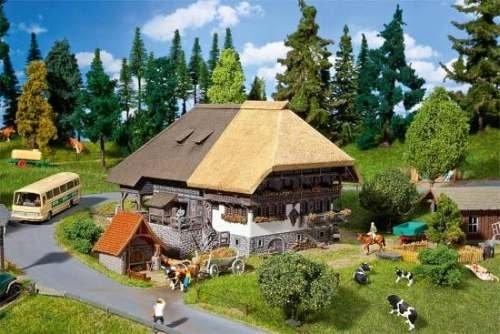 Faller 130534 Schwarzwaldhof mit Strohdach