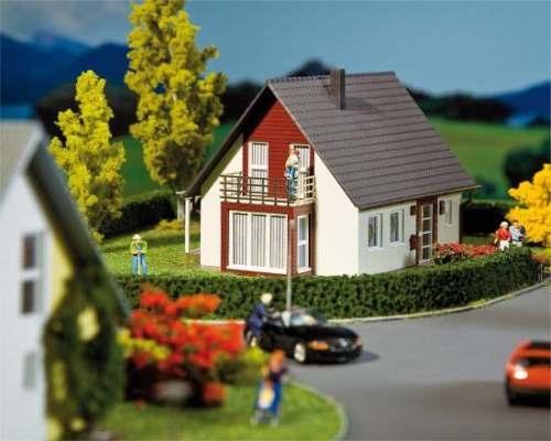 Faller 232323 Einfamilienhaus (weinrot)