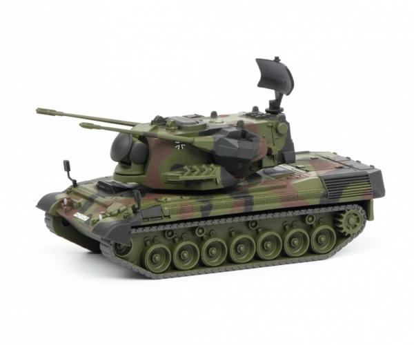 """Schuco 452635500 Gepard Flakpanzer """"Bundeswehr"""", flecktarn, 1:87"""